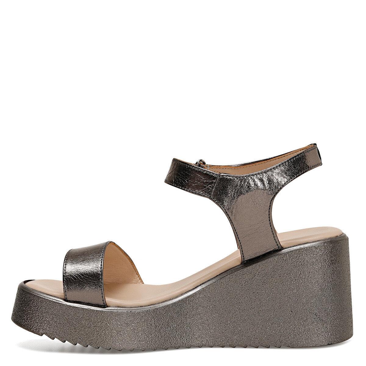 KALAN Gümüş Kadın Dolgu Topuklu Sandalet