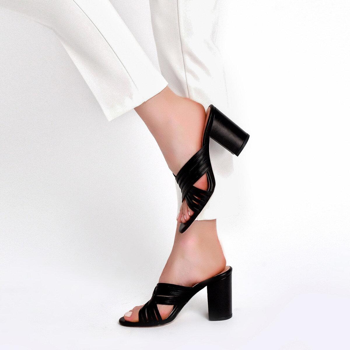 TRINP Siyah Kadın Topuklu Terlik