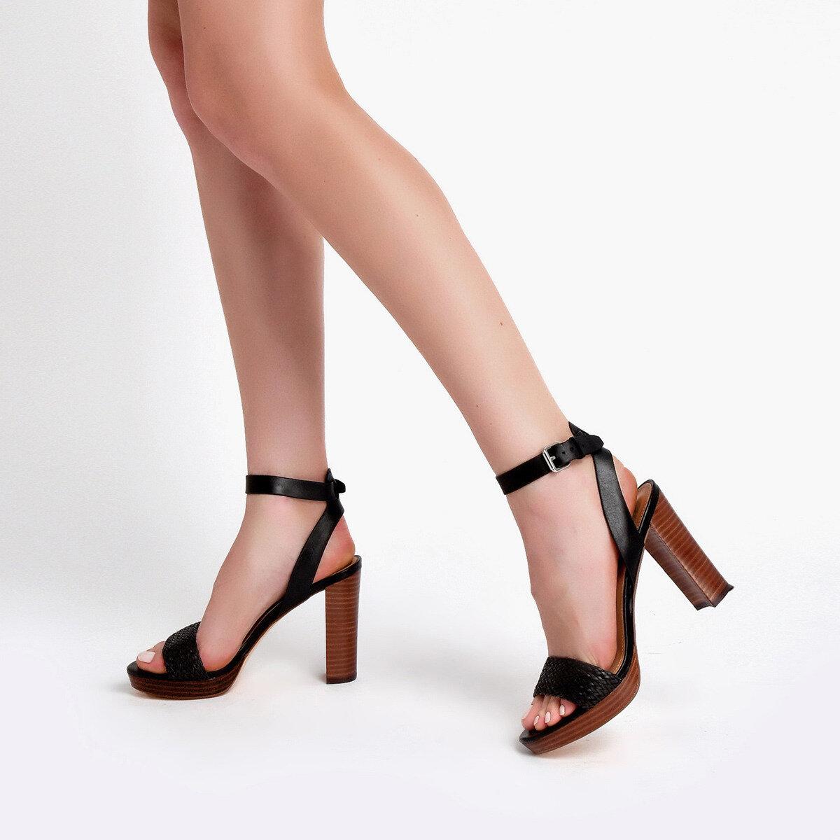 DELUXE Siyah Kadın Topuklu Sandalet