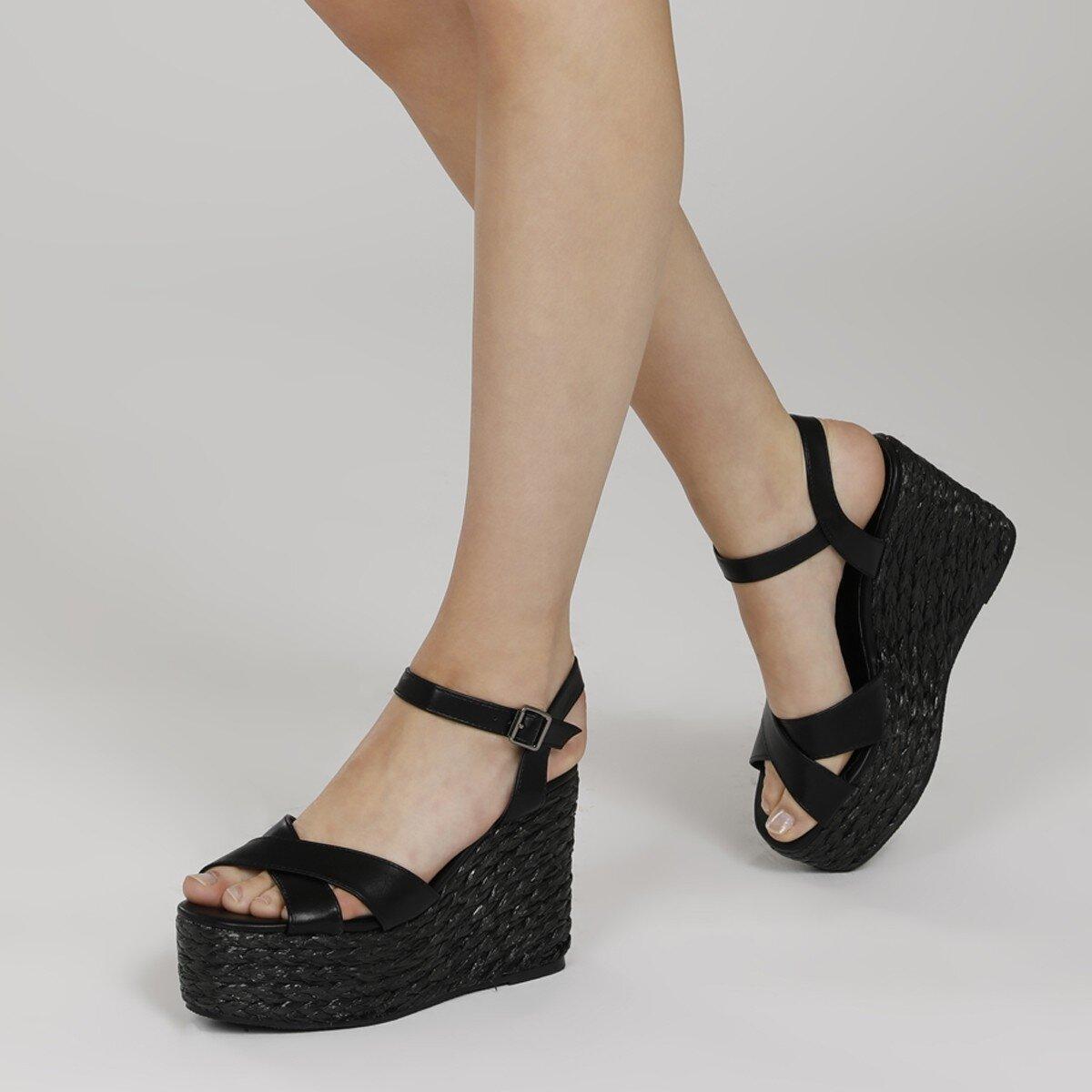 WIEMA 1FX Siyah Kadın Dolgu Topuk Sandalet