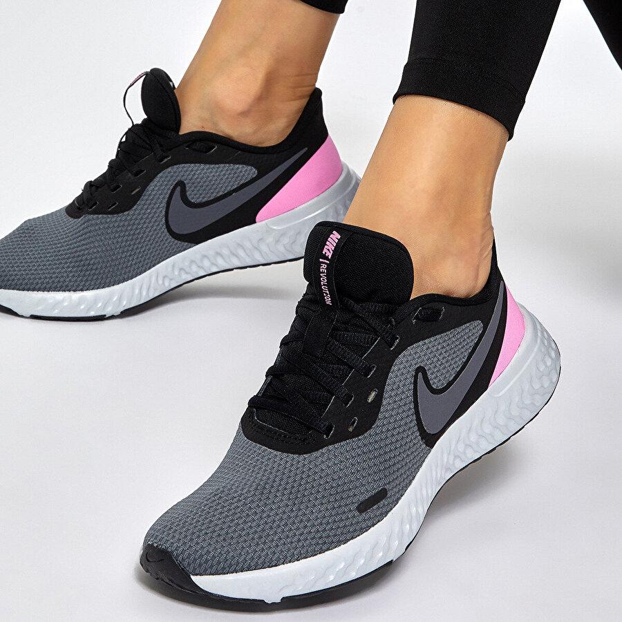 Nike REVOLUTION 5 Siyah Kadın Koşu Ayakkabısı