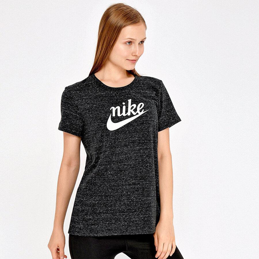 Nike SHORT SLEEVE T-SHIRT Siyah Kadın T-Shirt