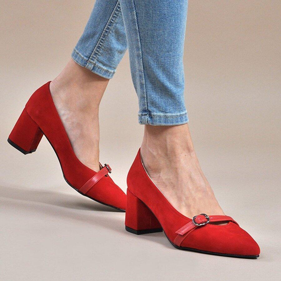 Vizon Ayakkabı Kadın  Kırmızı-Süet Klasik Topuklu Ayakkabı VZN19-110K
