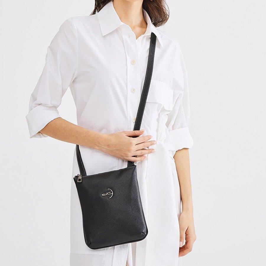Deri Company Kadın Basic Omuz Çantası Düz Desenli Logolu Siyah (4029S) 214028