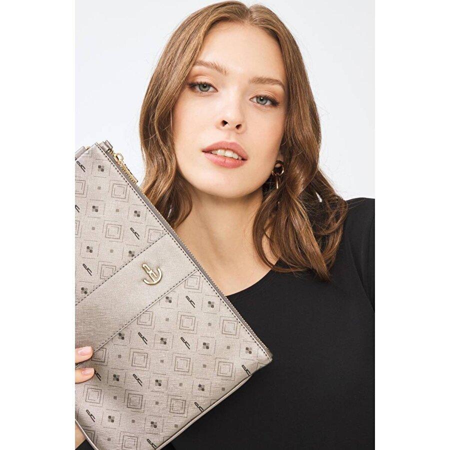 Deri Company Kadın Basic Clutch Çanta Monogram Desenli Şeritli Logolu Gümüş 214002