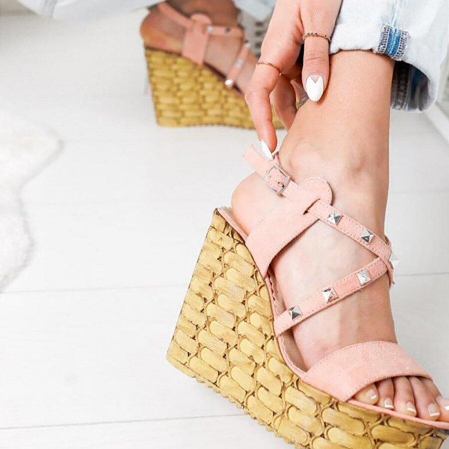 Limoya Elliana Pudra Süet Dolgu Topuklu Zımba Detaylı Natural Hasır Tabanlı Sandalet