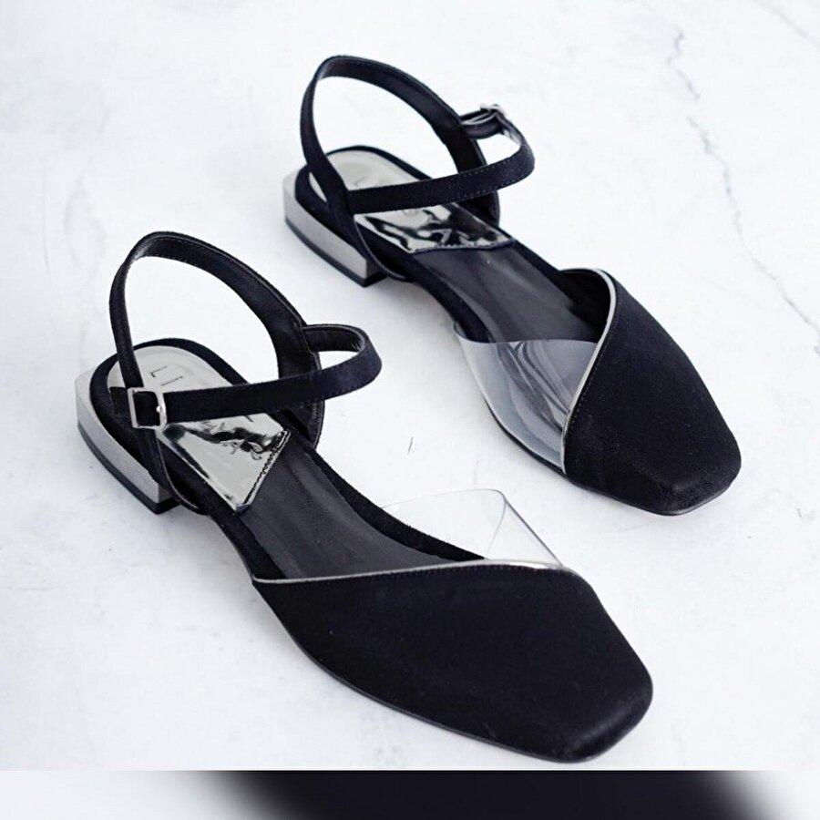 Limoya Janet Siyah Süet Şeffaf Detaylı Küt Burunlu Sandalet