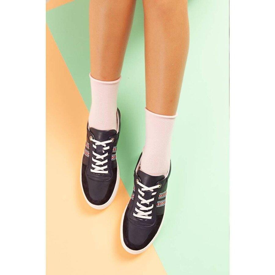 Jilberto Hakiki Deri Holland Siyah Piko Detaylı Sneakers