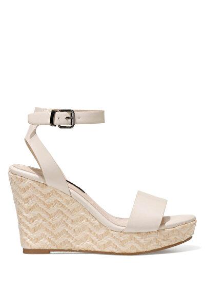 Nine West OBASA 1FX Beyaz Kadın Dolgu Topuk Sandalet