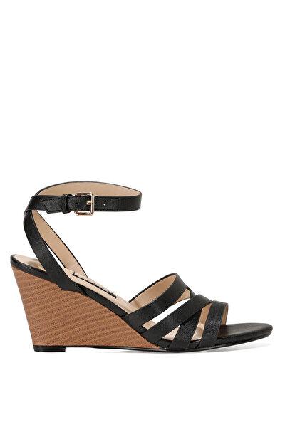 Nine West HAILI 1FX Siyah Kadın Dolgu Topuk Sandalet