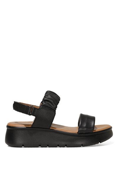 Nine West GUMO 1FX Siyah Kadın Dolgu Topuk Sandalet