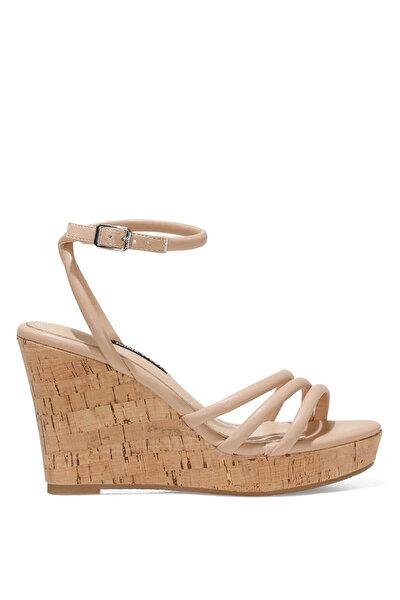 Nine West LEROYA 1FX NUDE Kadın Dolgu Topuk Sandalet