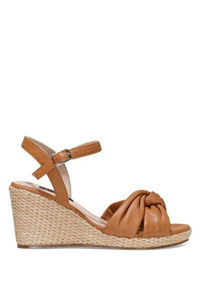 Nine West CARETTE 1FX Taba Kadın Dolgu Topuk Sandalet