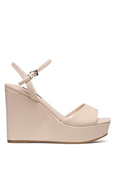 Nine West KINDA3 Rose Gold Kadın Dolgu Topuk Sandalet