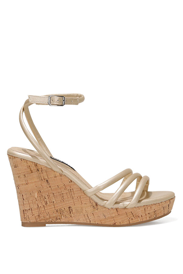 Nine West LEROYA 1FX Altın Kadın Dolgu Topuk Sandalet