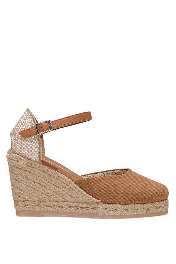 Nine West ARTEMISIA 1FX Taba Kadın Dolgu Topuk Sandalet