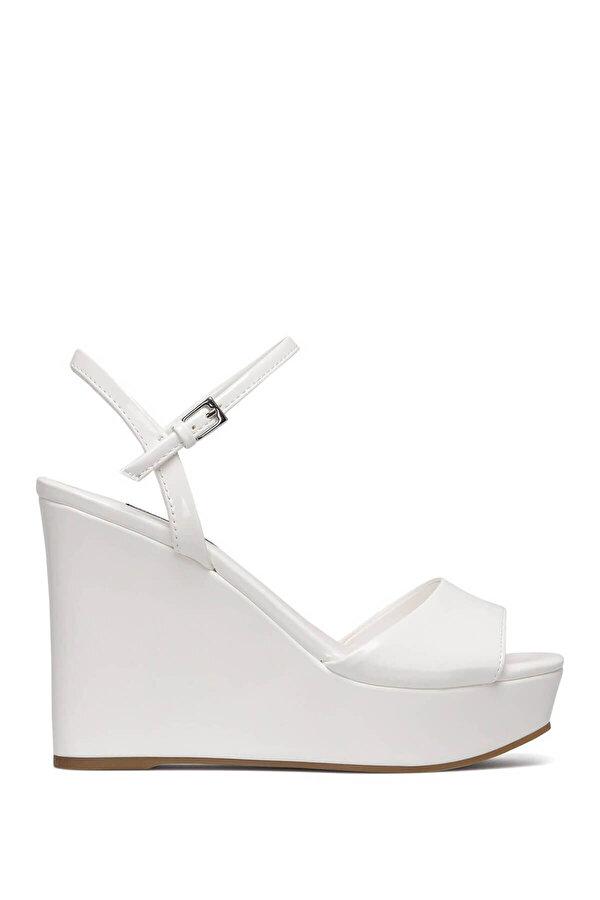 Nine West KINDA3 Beyaz Kadın Dolgu Topuk Sandalet